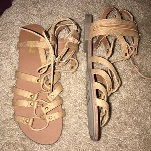 NWT brash sandals cream color with gold accents